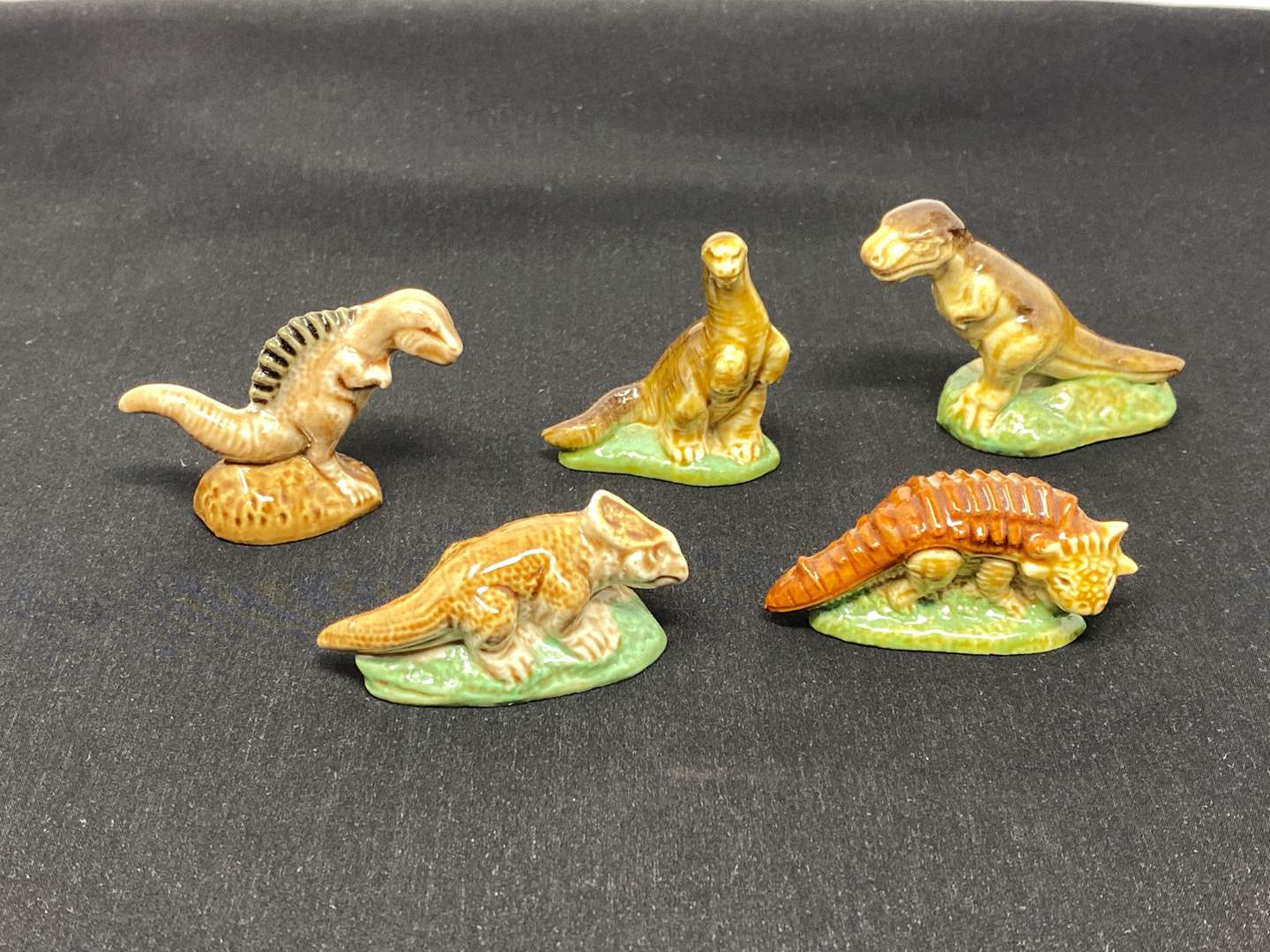 """Lot # 117 - Five """"Wade"""" Dinosaurs Whimsies  (main image)"""