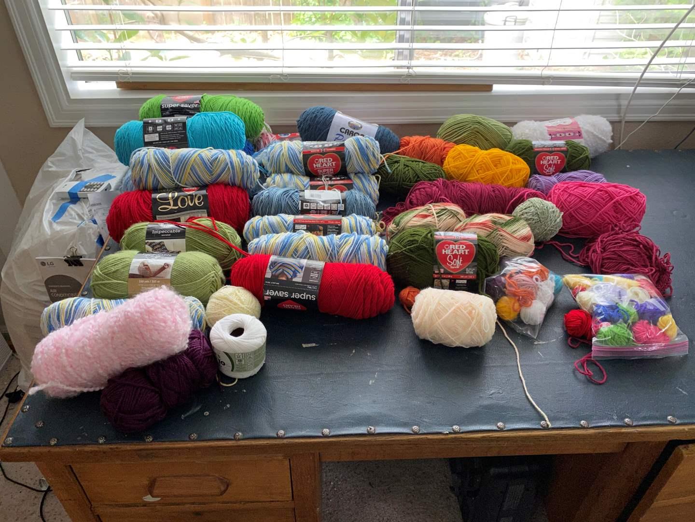 Lot # 150 - Selection of Yarn (main image)