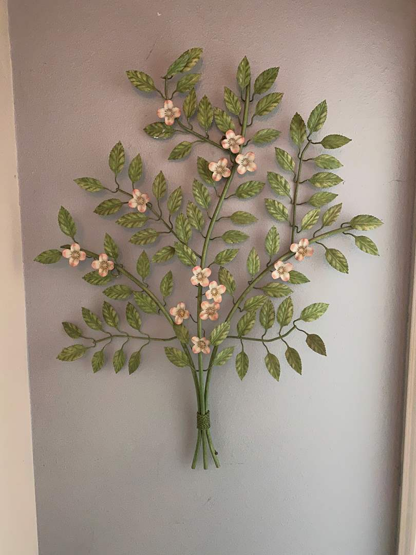 Lot # 214 - Beautiful Metal Floral Wall Hanging (main image)