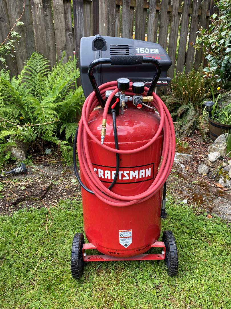 Lot # 242 - Nice Craftsman 150 PSI 2 HP 33 Gallon Single Cylinder/Oil Free Air Compressor on Wheels (main image)