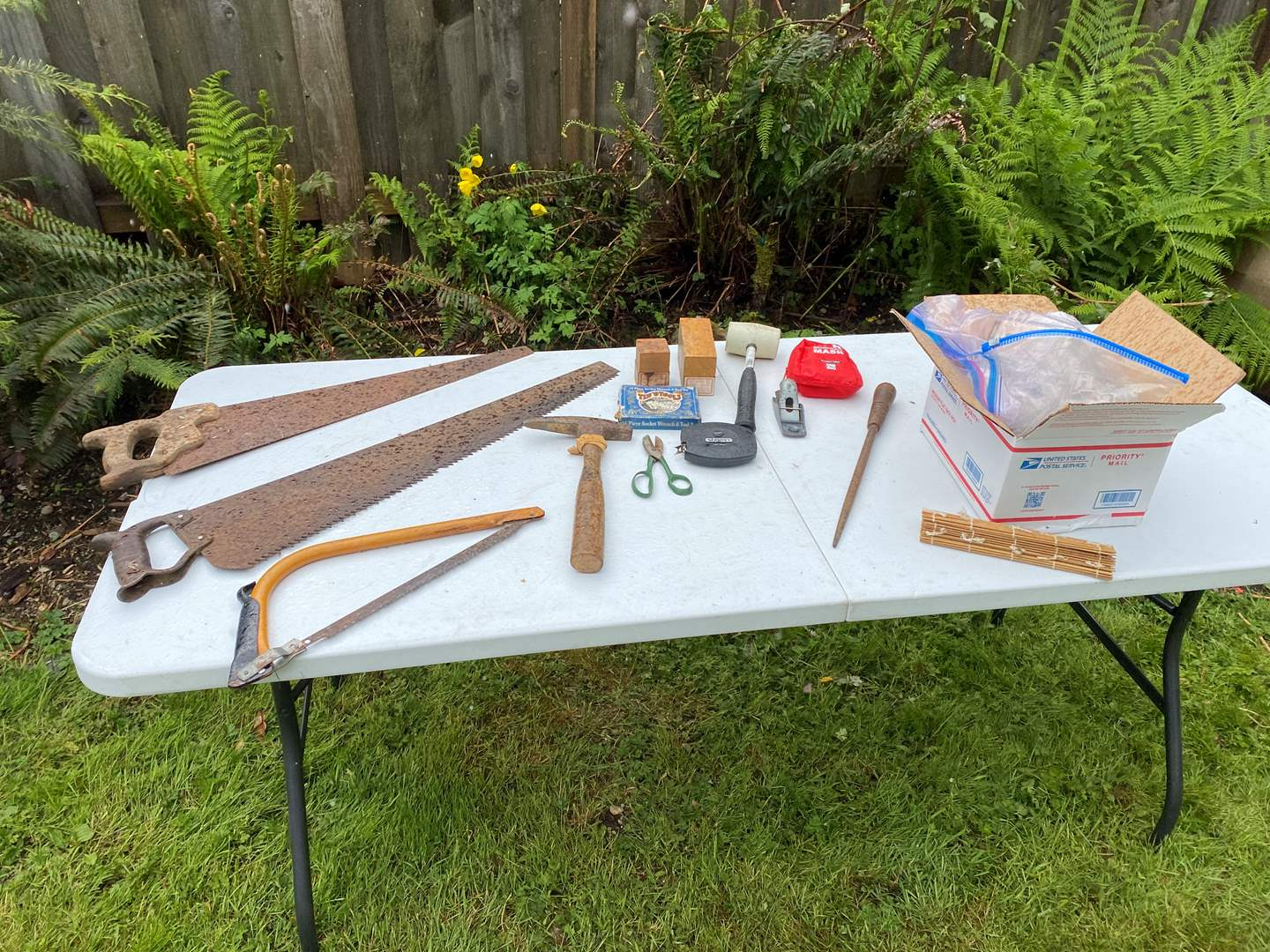 Lot # 250 - Selection of Tools & Paints (main image)