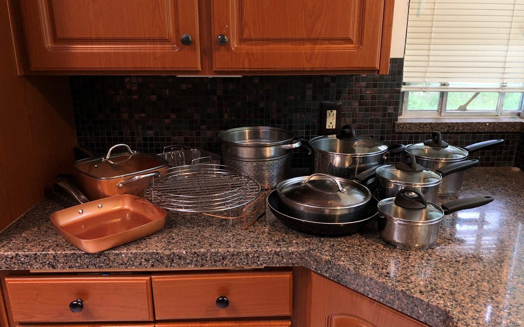 Lot # 62 - Selection of Pots & Pans of Various Sizes & Brands (main image)