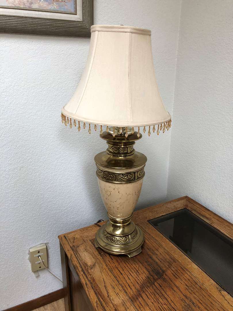 Lot # 164 - Vintage Brass Table Lamp (main image)