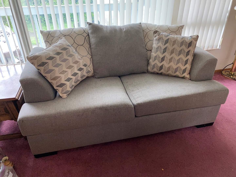 Lot # 9 - Gray Love Seat (main image)