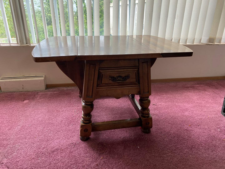 Lot # 10 - Vintage Pecan Wood Drop Leaf Side Table  (main image)
