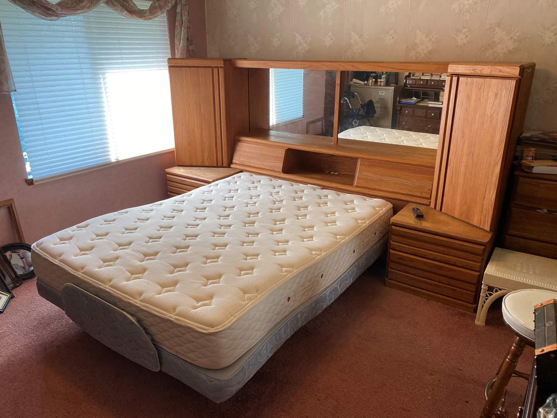 "Lot # 25 - Huge Vintage Solid Oak ""Wambold"" Solid Oak Queen Size Bed Head Board w/Power Adjustable Frame & Mattress  (main image)"