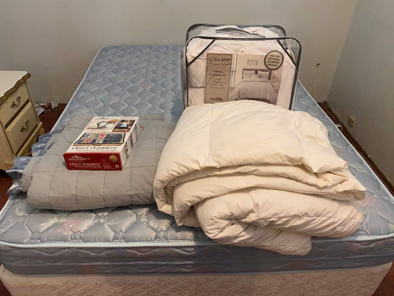 Lot # 40 - Three Queen Size Comforters & Closet Organizers  (main image)
