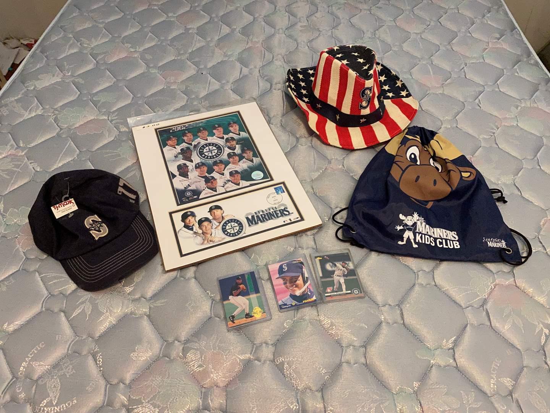 Lot # 46 - Seattle Mariners Memorabilia, Alex Rodriguez Rookie Cards (main image)