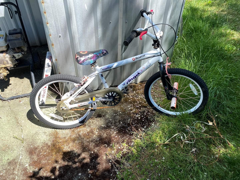 Lot # 240 - Girls Razor Angle Bicycle  (main image)