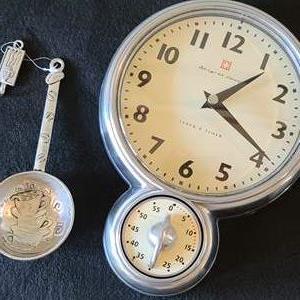 Lot#3 Beautiful Clock & Coffee Scoop