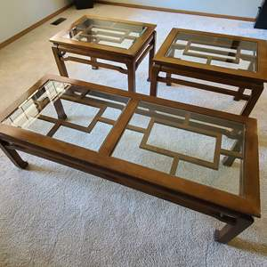Lot#18 Beautiful Asian Style Coffee & End Tables