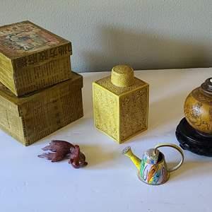 Lot#22 Oriental Décor Collection