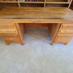 Lot#33 Custom Sloid Wood Desk