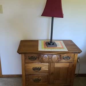 Lot#67 Vintage Nightstand & Lamp