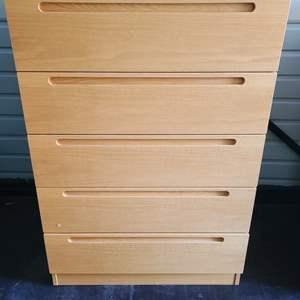 Lot#87 Solid Wood 5 Drawer Dresser