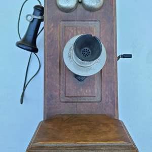Lot#93 Swedish American Telephone
