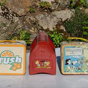 Lot#102 Lunch Boxes & Shoeshine Bank