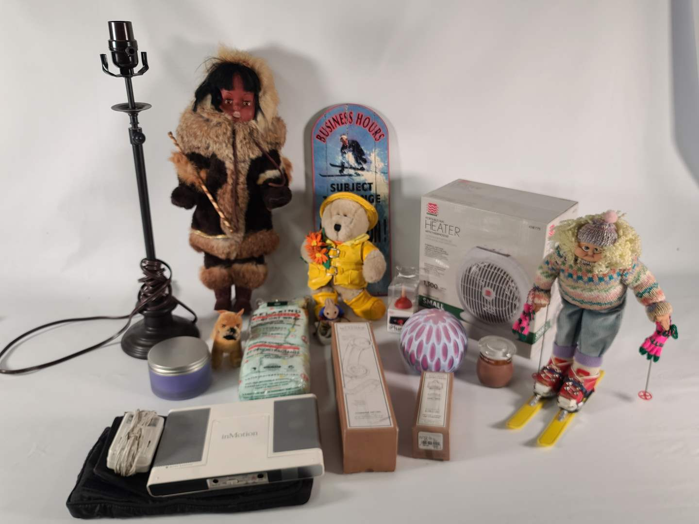 Lot#137 More Knick Knack for Patty Whack (main image)