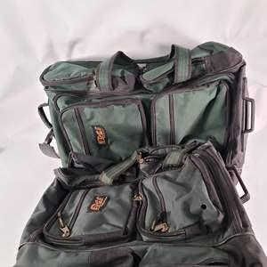 Lot#148 Edge Powergear Bags