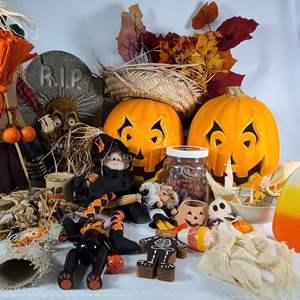 Lot#160 Halloween Decor#1