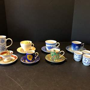 Lot # 115 - Small Collection of Tea Cups & Saucers of Various Sizes