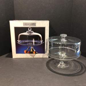 Lot # 124 - Two Glass Cake Stands