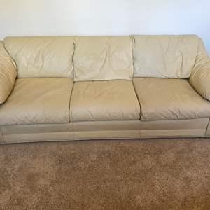 Lot # 4 - Nice Leather Sofa