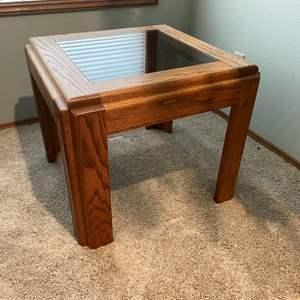 Lot # 23 - Oak Side Table w/ Glass Top Insert