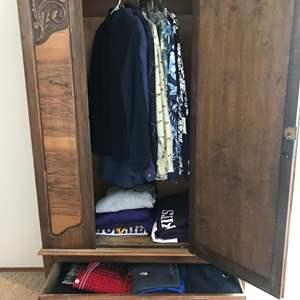 Lot # 60 - Men's Huskies Sweatshirt, T-Shirts, Shorts & Button Shirts
