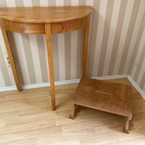 Lot # 101 - Small Wood Stepstool & Wall Hugging Table