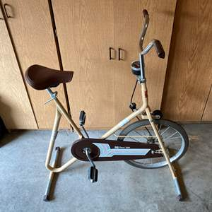 Lot # 188 - Vintage DP Pacer 200 Exercise Bike in Great Condition