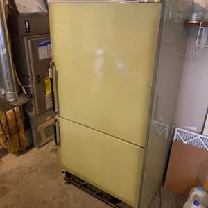 Lot #280 - Vintage Whirlpool Refrigerator - Works