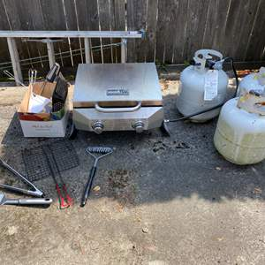 Lot #314 - Propane Table Top Grill w/3 Propane Tanks & Grilling Accessories