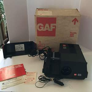 """Lot #227 - GAF 2100-R Remote Control """"Hush-a-Matic"""" Slide Projector - Works Great"""