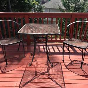 Lot #330 - Metal Table w/2 Chairs