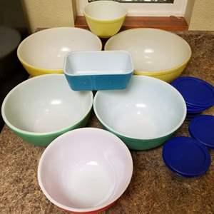Lot # 151 Pyrex Bowls