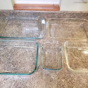 Lot # 166 Pyrex & Casserole Dishes