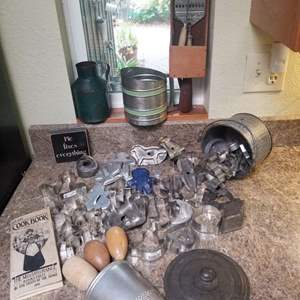 Lot # 172 Cookie Cutters & More