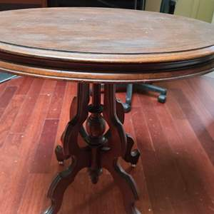 Lot # 269 Parlor Table