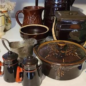 Lot # 17 Brown Dishware