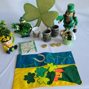 Lot # 183 St. Patricks Day Decor