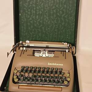 Lot # 142 Smith Corona Typewriter