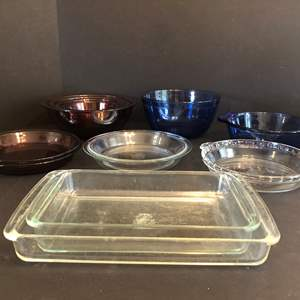 Lot # 51 - Pyrex Mixing Bowls, Pink Toned Casserole Dishes & 2 Anchor Baking & Mixing Bowl