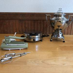 Lot # 90 - General Electric Hand Beaters, Drink Dispenser & Waffle Iron