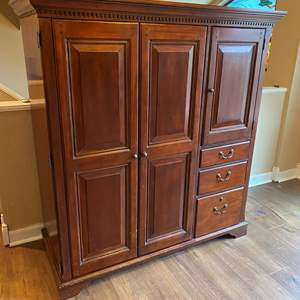 """Lot # 3 - Well Built """"Shenandoah Valley Furniture"""" Entertainment Stand"""
