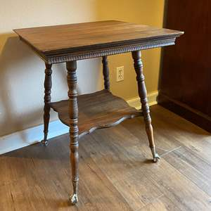 Lot # 4 - Antique Claw Foot Table