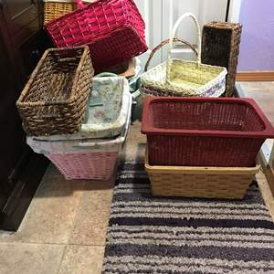 Lot # 137 - Basket Lot: Baskets of Various Sizes & Colors