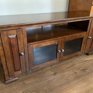 "Lot # 35 - Cherrywood ""Whalen Furniture"" TV/Media Stand"