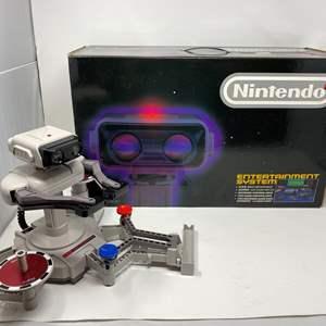 Lot # 221 - Rare Nintendo Box w/ R.O.B. The Robot Helper - (Great Condition)