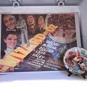 """Lot # 198 - Vintage """"Wizard Of Oz"""" Poster & Plate Plays """"Over The Rainbow"""""""